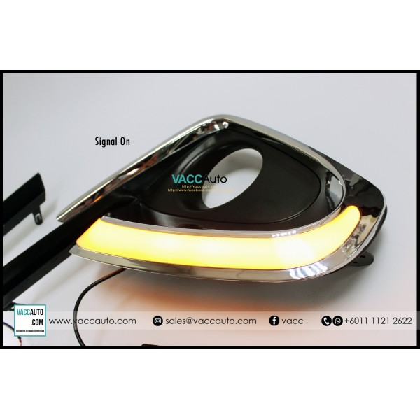 Fortuner (2nd Gen) Fog Lamp Chrome Cover with Day Light and Signal Lamp